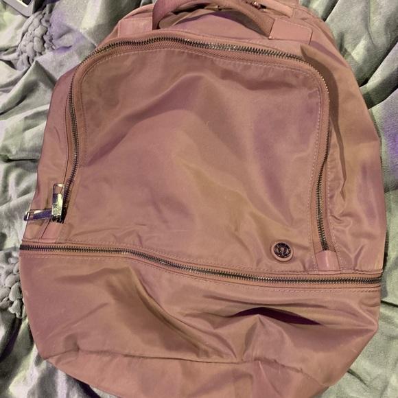 Lululemon backpack 17L